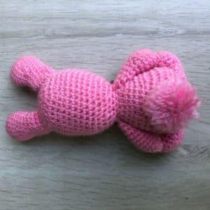 doudou-peluche-tricot-coton-Roger-lapin-2